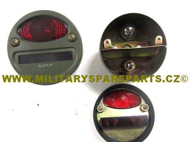 www.militaryspareparts.cz ZADNÍ LAMPY JEEP S VÝMĚNNOU ŽÁROVKOU